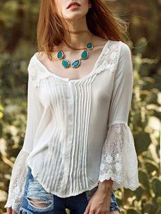 El empalme de encaje blanco de cuello redondo de la llamarada de la manga de la blusa