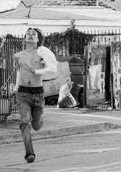 Frank Dillane in Fear the Walking Dead