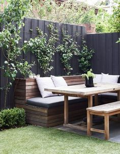 garden design Rustic outdoor dining - 35 New Modern Rustic Outdoor Privacy Screen + The Rest Of My Patio Garden Furniture Design, Backyard Furniture, Furniture Ideas, Modern Furniture, Garden Furniture Inspiration, Garden Inspiration, Antique Furniture, Outdoor Furniture, Cozy Backyard