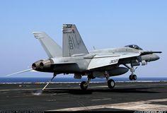 F 18 Landing