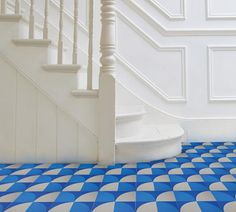 'Scallop' Electric Blue - Encaustic Tile (sample) as seen in Elle Deco – Lindsey Lang Design Ltd Vct Tile, Wood Tile Floors, Herringbone Tile, Tiling, Wall Tiles, Floor Design, Tile Design, House Design, Mood Board Inspiration