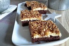 """Blechkuchen """"Gebrannte Mandeln"""" Sheet cake """"Burnt almonds"""", a tasty recipe from the category cake. How To Make Pizza, Pudding Desserts, Roasted Almonds, Chorizo, Baking Recipes, Nutrition, Food And Drink, Yummy Food, Favorite Recipes"""
