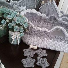 Crochet Toddler, Newborn Crochet, Crochet Baby, Free Crochet, Knit Crochet, Baby Doll Bed, Kit Bebe, Baby Baskets, Crochet Winter