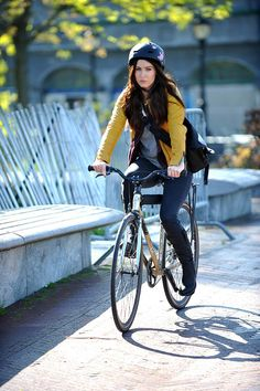 Megan Fox rides a #bike                              #celebrities #cycling