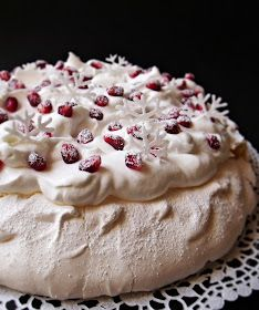 Citromhab: Ünnepi Pavlova Fruit Recipes, Sweet Recipes, Dessert Recipes, Cooking Recipes, Hungarian Desserts, Hungarian Recipes, Mini Pavlova, Torte Recipe, Torte Cake