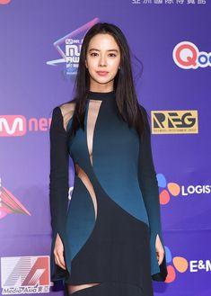 she is so sexy. Running Man Cast, Ji Hyo Running Man, Korean Actresses, Korean Actors, Actors & Actresses, Beautiful Asian Women, Beautiful Celebrities, Beautiful Ladies, Ji Hyo Song