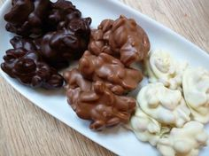 Pindarotsjes kun je eenvoudig zelf maken. Hier vind je het recept. Op de bakweek.nl staan nog veel meer zoete en hartige recepten.