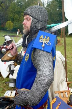 Explore One lucky guy photos on Flickr. One lucky guy has uploaded 3639 photos to Flickr. Medieval Knight, Medieval Armor, Larp Armor, Early Middle Ages, Medieval Clothing, High Fantasy, Man Photo, Chainmaille, Warfare
