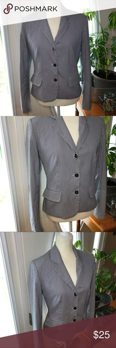 """Body by Victoria blue/White Blazer jacket Beautiful women's Blazer. Size 8 pit to pit 18"""" pit to hem 13"""" sleeve 24"""". Material cotton/Spandex/Poly. Jacket has lining and shoulder pads   Bin 3 body by Victoria  Jackets & Coats Blazers"""