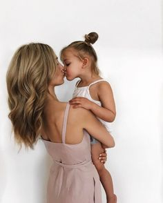 mother and daughter photo Cute Family, Baby Family, Family Goals, Family Life, Teen Couples, Cute Couples, Young Love, Mommy And Me, Kind Mode