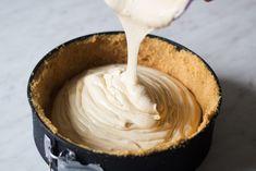 Prăjitură cu brânză și dulce de leche - Adi Hădean Icing, Caramel, Desserts, Food, Dulce De Leche, Sweets, Sticky Toffee, Tailgate Desserts, Candy