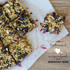 Oatmeal superfood seeded breakfast bars. Oats are a rich source of avenanthramides, antioxidants unique to oats. The blueberries boost the antioxidant value of these bars. #vegan #healthy