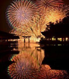 Fireworks in Miyajima, Hiroshima, Japan 宮島水中花火大会