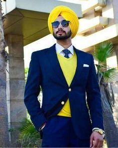 Blazer Outfits Men, Mens Fashion Blazer, Indian Men Fashion, Boy Fashion, Mode Masculine, Wedding Dress Men, Turban Style, Photography Poses For Men, Formal Suits