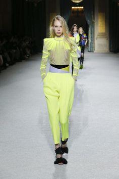 Amarelo vivo: do esporte para a moda « Costanza Pascolato