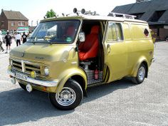 Bedford Van, Bedford Truck, Bedford Blitz, Gmc Vans, Chevy Van, Cool Vans, Van Living, Ford Falcon, Vintage Vans