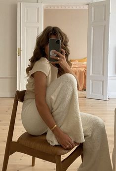 Image in fashion collection by ylham on We Heart It Looks Style, Style Me, Neue Outfits, Jolie Photo, How To Pose, Swagg, Minimalist Fashion, Aesthetic Clothes, Lounge Wear