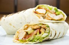 Learn how to prepare many different Greek Gyro sandwhiches, wraps and plate meals. Chicken Menu, Greek Chicken Recipes, Chicken Wraps, Grilled Chicken, Healthy Eating Recipes, Vegetarian Recipes, Healthy Meals, Popeyes Menu, Greek Dinners