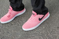 sports shoes 2e364 07c68 Nike Eric Koston 2 SB EASTER DQM SUPREME DIGITAL PINK BLACK ROSA SCHWARZ
