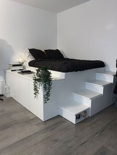 Platform Bed With Storage, Diy Platform Bed, Cute Bedroom Decor, Room Design Bedroom, Apartment Design, Apartment Living, Bed Stairs, Small Room Design, My New Room