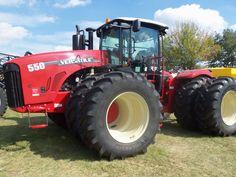 550hp Versatile 550 4 wheel drive tractor