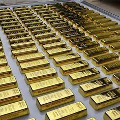 401k Plan, Gold Sovereign, Billionaire Life, Gold Bullion Bars, Wealthy Lifestyle, Cute Car Accessories, Money Stacks, Gold Money, Savings Plan