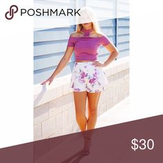 💝 Floral Shorts It doesn't get any better than these floral shorts. Off white shorts that are made from a lightweight polyester material. Boutique Shorts