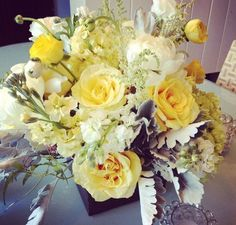 yellow reception wedding flowers,  yellow wedding decor, yellow wedding flower centerpiece, wedding flower arrangement, add pic source on comment and we will update it.
