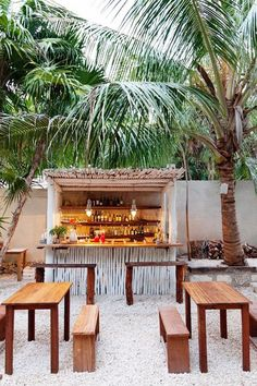 eric werner and mya henry - chef and restaraunt owners at the valladolid farmers market and at their restaraunt hartwood - tulum mexico - Diy Outdoor Bar, Outdoor Cafe, Outdoor Spaces, Outdoor Living, Outdoor Kitchens, Outdoor Chairs, Coffee Shop Design, Cafe Design, Design Design
