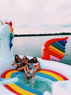 summer goals pool 25 Things to Do Yet This Summer If Youre Bored - Design amp; Photos Bff, Bff Pics, Cute Friend Pictures, Best Friend Pictures, Friend Pics, Summer Goals, Summer Fun, Winter Fun, Cute Friends
