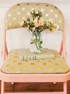 Friday Link Love: January 31. Gold polka-dot burlap from Joanns & apricot spray paint. I heart this combo!