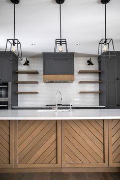 Warm Kitchen, Home Decor Kitchen, Kitchen Interior, Black Kitchen Decor, Eclectic Kitchen, Interior Livingroom, Modern Kitchen Design, Kitchen Ideas, Küchen Design