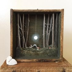 Allison May Kiphuth is a diorama artist and a nature enthusiast based in New Hampshir. Allison May Kiphuth is a diorama artist and a nature enthusiast based in New Hampshir. Shadow Box Kunst, Art Altéré, Cadre Diy, Wal Art, Diy Shadow Box, Large Shadow Box, Wooden Shadow Box, Creation Art, Colossal Art