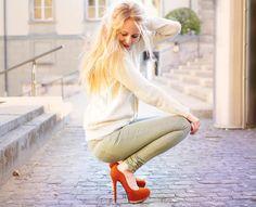 Shop this look on Kaleidoscope (pants, sweatshirt, pumps)  http://kalei.do/WLX4bIOJF9MEYVP2