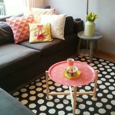 Brakig Ikea decorating with neutrals and pops of color