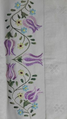 Marvelous Crewel Embroidery Long Short Soft Shading In Colors Ideas. Enchanting Crewel Embroidery Long Short Soft Shading In Colors Ideas. Border Embroidery Designs, Embroidery Hoop Crafts, Tambour Embroidery, Embroidery Flowers Pattern, Embroidery Works, Embroidery Monogram, Hand Embroidery Stitches, Embroidery Techniques, Ribbon Embroidery