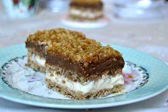 Orechový zákusok s mascarpone citrónovým krémom - Mňamky-Recepty. Slovak Recipes, Romanian Food, Food Cakes, Sweet Desserts, Cake Cookies, Blondies, Tiramisu, Cake Recipes, Cheesecake