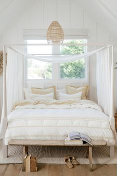 Stay Cozy in Organic with our trial. Sleep better in luxuriously soft bedding made from pure cotton and linen. GOTS-certified organic - made to the highest environmental standards to be friendly to people + planet. Room Ideas Bedroom, Home Decor Bedroom, Master Bedroom, Home Renovation, Home Remodeling, Organic Duvet Covers, Aesthetic Room Decor, Home Interior, Interior Livingroom