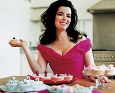 Oh Nigella, you are so fabulous! Don't let the critics get you down for just a fashion flub or two. You're the original English Muffin.