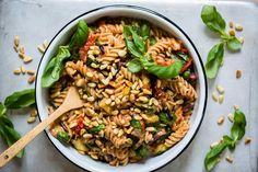 Lun pastasalat med ovnsstekte grønnsaker - Obs: Smarthandel