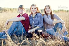 04 Sibling Family Photographs in an Open Field Austin Family Photographer | An Adult Sibling Session
