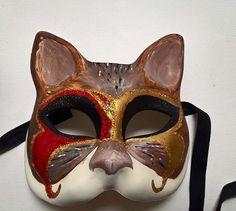 Maschera a forma di gatto decorata a mano :) #venicemask