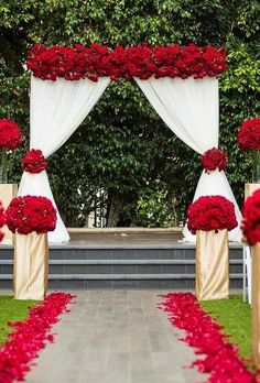 New Wedding Church Aisle Altars Rose Petals Ideas Red Rose Wedding, Burgundy Wedding, Wedding Colors, Gold Wedding, Maroon Wedding, Rustic Wedding, Gothic Wedding, Trendy Wedding, Elegant Wedding