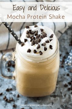 Add a dose of protein to your morning coffee drink with this easy to make and super delicious Mocha Protein Shake recipe! via Add a dose of protein to your morning coffee drink with this easy to make and super delicious Mocha Protein Shake recipe! Smoothie Recipes With Yogurt, Smoothie Recipes For Kids, Protein Smoothie Recipes, Healthy Smoothies, Healthy Drinks, Healthy Eats, Smoothie Detox, Detox Drinks, Dessert Recipes
