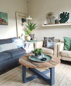 Binnenkijken bij mijnhuis__enzo Interior Styling, Interior Design, Living Room Storage, Interior Inspiration, Interior Ideas, Decoration, Family Room, Home And Garden, Dining Table