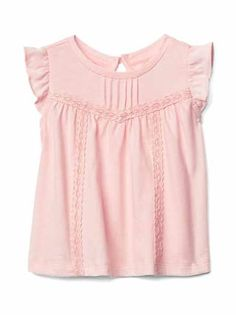 Gap offers baby girl bodysuits that will keep your baby girl comfy. Choose from a variety of baby girl bodysuits, tops and t shirts. Kids Dress Wear, Dresses Kids Girl, Baby Dress, Sleeves Designs For Dresses, Baby Kind, Girls Tees, Baby Kids Clothes, Cute Outfits For Kids, Little Girl Fashion