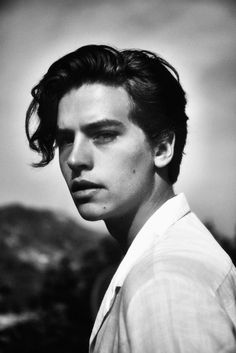 cole sprouce and dylan sprouce Just a load of hot pics of Cole Sprouse, or Jughead from Riverdale, also shirtless. Dylan Sprouse, Cole M Sprouse, Sprouse Bros, Cole Sprouse Funny, Cole Sprouse Jughead, Cole Sprouse Haircut, Dylan Et Cole, Zack Et Cody, Eyes Closed