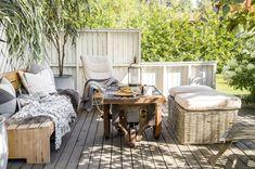 Slik gikk det da pappa tok over byggingen av trehytte Outdoor Furniture Sets, Outdoor Decor, Room, Inspiration, Home Decor, Balcony, Outdoors, Interiors, Garden