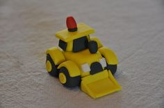 Fondant Digger Cupcake Topper by Pink Berry Cupcakes