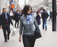 Look: Blue Brush - Look: Winter Mood - #fashion #look #blogger #print #outfit #style #streetstyle #london